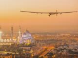 Bild: Die Solar Impulse 2 ist in Abu Dhabi gestartet.