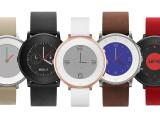 Bild: Flach und in Farbe: Pebble stellt das Modell Time Round offiziell vor.