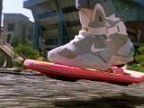 Bild: Hoverboard und selbst schließende Nike-Schuhe? Im Jahr 2040 dürfte einiges mehr gehen. Wie stellt ihr euch das technische Leben in 25 Jahren vor?