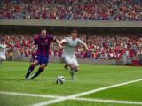 Bild: In FIFA 16 könnt ihr dank Tricks Zweikämpfe für euch entscheiden.