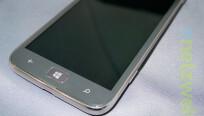 Unter dem Display bietet das Samsung Ativ S die...