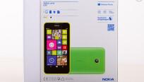 Der Karton des Lumia 630 erstrahlt im neuen...