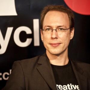 http://img.netzwelt.de/dw300_dh300_sw0_sh0_sx0_sy0_sr1x1_nu0/article/2011/markus-beckedahl-netzaktivist-bekanntesten-blogger-unternehmer-bild-markus-beckedahl5601.jpg