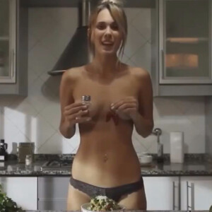 A fuego maximo jenn does nude cooking 3