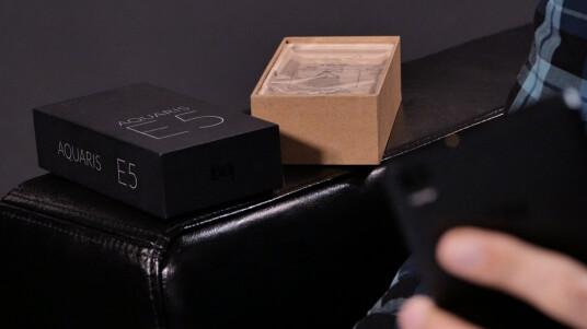 Das BQ Aquaris E5 LTE ist ein Dual-SIM-Smartphone, das nicht nur mit zwei SIM-Karten betrieben werden kann, sondern auch den schnellen Mobilfunkstandard LTE beherrscht. Im Test überzeugt es aber auch noch mit weiteren Eigenschaften.