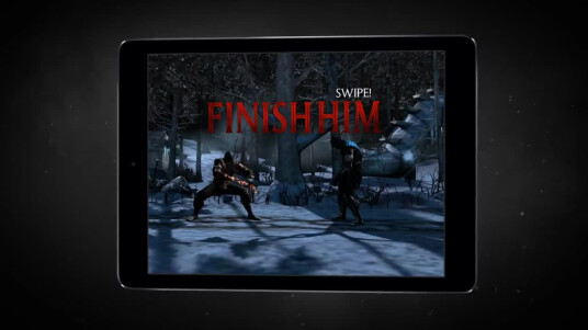 Wer nicht genug von Mortal Kombat bekommt, wird sich über diese Ankündigung freuen. Mortal kombat X, der neueste Teil der Beat 'em Up-Serie, wird eine Mobile-Version für Android- und iOS-Systeme erhalten. In Zukunft braucht ihr also auch während der Bahnfahrt nicht auf Blut und Knochenbrüche verzichten. Die mobile Variante wird übrigens Free2Play sein. Ein Release-Datum wurde bisher nicht bekanntgegeben. Die Konsolen-Auflage erscheint am 14. April 2015 für PC, PS4, Xbox One, PS3 und Xbox 360.