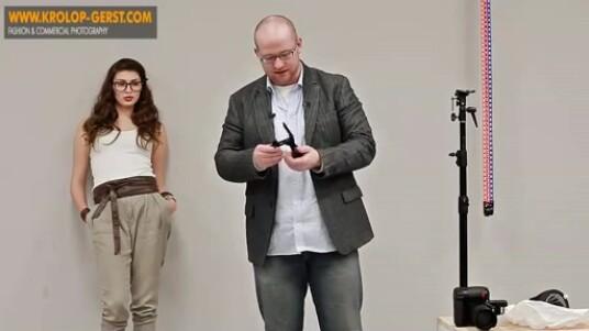 Schritt für Schritt erklärt Martin Krolop in dem Video, wie ein Blitz für ein perfektes Porträt genutzt wird. Nur so erreicht der Fotograf voluminöse Schatten und starke Kontraste, die das Model passend in Szene setzen.