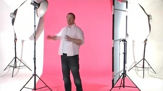 Martin Krolop zeigt in dem Video, wie mit der passender Ausrüstung ungewollte Schatten auf Fotos vermieden werden können.