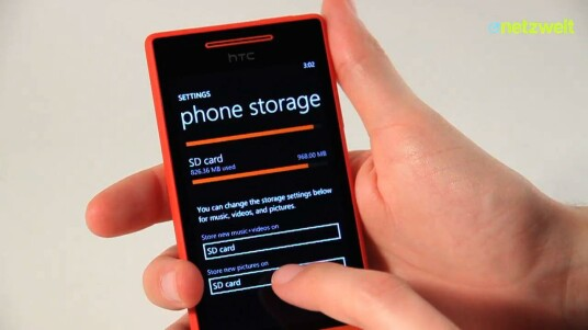 Das HTC 8S ist ein solides Einsteiger-Smartphone mit Microsofts Handy-OS Windows Phone 8. Ein Makel ist lediglich der kleine interne Speicher.