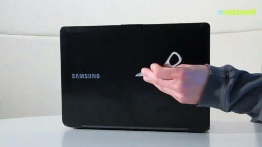 Manchmal kann weniger auch mehr sein: Samsung verzichtet beim Serie 5 Ultra auf einen Touchscreen, baut stattdessen einen entspiegelten Monitor ein. Zusammen mit der AMD-Grafik ein gelungenes Gesamtpaket zu einem fairen Preis.