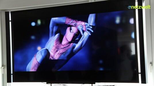 Auf der Hausmesse in Hamburg zeigte der Hersteller auch seine 4K-Fernseher. Aufgrund des Mangels an Inhalten in der sehr hohen Auflösung rechnen Modelle wie der KD-84X9005 von Sony das Ausgangsmaterial in die Ultra HD-Dimension hoch. Netzwelt hat sich das Upscaling und das neue Gerät vorführen lassen.