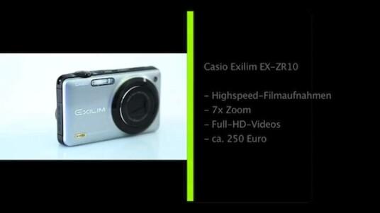 Diese Kompaktkamera nimmt Zeitlupenvideos auf. Bei Filmen in normaler Geschwindigkeit erreicht die Casio Exilim EX-ZR10 sogar eine Full-HD-Auflösung. Das Objektiv der Kamera verfügt über einen siebenfachen Zoom und einen optischen Bildstabilisator.
