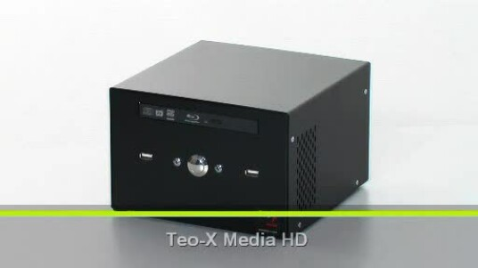 Der HTPC basiert beinahe ausschließlich aus Chips aus dem Hause Intel. Als Mainboard kommt eine Mini-ITX Platine zum Einsatz. Als Chipsatz dient ein G45 und als Prozessor ein Core 2 Duo 7200 mit 2,53 Gigahertz - alles Komponenten von Intel.