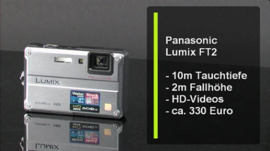 Egal ob Segeln, Biken, Skifahren oder einfach nur am Strand liegen - herkömmlichen Digitalkameras sollte man diese Aktivitäten nicht zumuten. Dafür braucht es Spezialisten wie die Panasonic Lumix FT2: Die Outdoorkamera ist wasser- und staubdicht, kälteresistent und unempfindlich gegenüber Stürzen.
