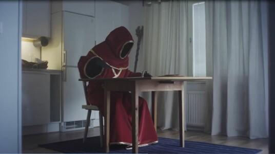 Das Rollenspiel Magicka 2 wurde von Arrowhead Game Studios im Rahmen der E3 mit einem Trailer angekündigt. Dass es einen Nachfolger geben wird, war schon im Mai 2011 bekannt, offizieller wurden die Entwickler jedoch erst jetzt. Das Spiel soll mit einem einen Solo- und Multiplayer-Modus aufwarten. Bis zu vier Spieler können in Top-Down-Ansicht auf einem Bildschirm platz finden. Der humoristische Trailer zeigt einen frustrierten, arbeitslosen Zauberer, der in Erinnerungen schwelgt und krampfhaft ein neue Beschäftigung sucht. Paradox Interactive wird das Spiel noch 2014 veröffentlichen.