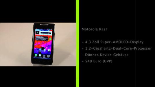 Das Motorola Razr ist das neue Flaggschiff-Modell des Herstellers. Das Handy ist mit sieben Millimetern äußerst dünn, aber dank Kevlar-Gehäuse dennoch robust.