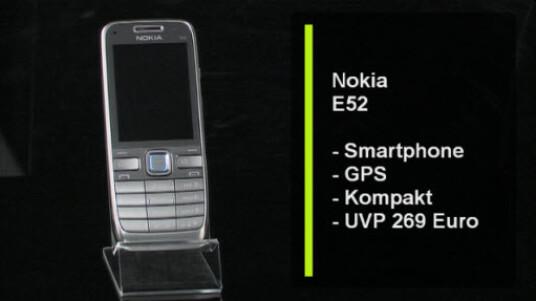 Das Nokia E52 ist ein Business-Handy, das durch kompakte Abmessungen und perfekte Verarbeitung punktet.