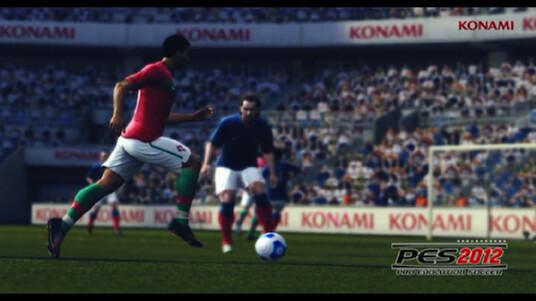Konami kommt mit PES 2012 der perfekten Fußball-Simulation wieder ein Stück näher. Die Mitspieler verhalten sich nun deutlich intelligenter. Das neue KI-System sorgt darüber hinaus für mehr Spielfluss. Details verrät Konamis Jon Murphy im netzwelt-Interview.