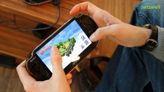Sony zeigte in Hamburg wenige Wochen vor dem Marktstart seinen neuen Handheld PlayStation Vita. Die Konsole beeindruckte im Kurztest mit leistungsfähiger Hardware und zahlreichen Steuerungsoptionen.
