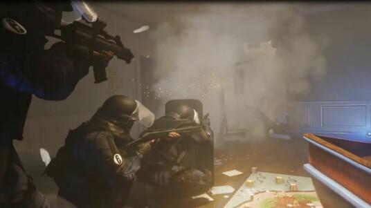 Ubisoft wusste auf der E3 2014 mit einem Gameplay-Video von Rainbow Six: Siege zu überzeugen. Die entsprechenden Lobeshymnen haben die Entwickler im neuesten Trailer gesammelt und vor kurzem veröffentlicht. Der taktische Multiplayer-Shooter von Kult-Autor Tom Clancy verspricht frischen Wind in die Shooter-Szene zu bringen. Zwar wurde durch das übliche Räuber und Gendarm-Setting das Rad nicht neu erfunden, jedoch lässt das Gameplay auf einen von Taktik geprägten, actionreichen Ego-Shooter hoffen. Gefechte in engen Hausfluren, Geiseldramen und zerberstende Wände seht ihr wohl erst 2015 auf PC, PS4 und Xbox One oder heute schon bei uns im Video.