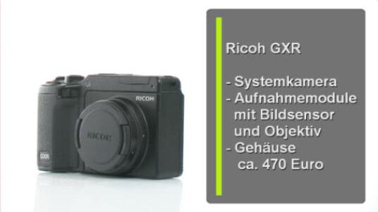 Mit der GXR bringt Ricoh eine neue Technick auf den Markt. Der Nutzer wechselt bei dieser Kamera nicht das Objektiv, sondern ein Aufnahmemodul, in dem neben der Linse auch der Bildsensor steckt. Laut Ricoh kommt so kein Staub auf den Sensor. Außerdem sind Optik und Chip aufeinander abgestimmt.