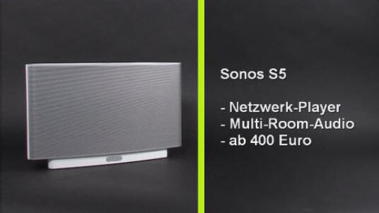 Vom gemütlichen Jazz-Abend auf der Dachterasse bis zur lauten Feier im Partykeller: Das Multiroom-Audio-System Sonos S5 überzeugt auf ganzer Linie. Für den hohen Musikgenuss muss der Käufer bereit sein mindestens 400 Euro auf die Ladentheke zu legen.