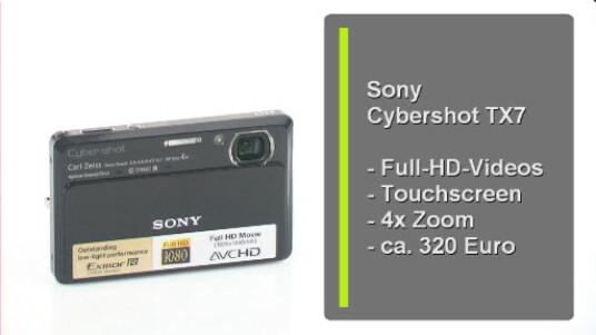 Die Digitalkamera von Sony besitz einen neuartigen Bildsensor der eine bessere Bildqualität bei schlechten Lichtverhältnissen verspricht. Ansonsten überzeugt die Kamera durch ein schönes Design und guten Bildern. Die HD-Funtion ist jedoch ausbaufähig.