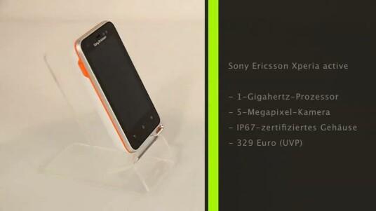 Das Sony Ericsson Xperia active ist dank seines robusten Gehäuses, verschiedener Apps und seinem Zubehör vor allem für Sportler interessant.