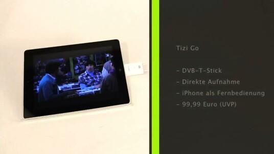 Mit Tizi Go von Equinux verwandelt sich das iPad 2 in einen kleinen mobilen Fernseher. Zum DVB-T-Stick gehört eine gelungene App, die man noch um einige Funktionen erweitern könnte.