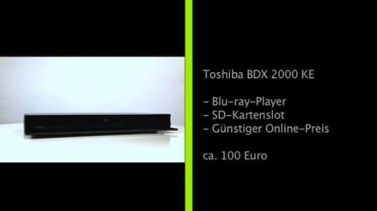 Den Blu-ray-Player BDX 2000 KE  gibt es online bereits zum Preis von knapp über 100 Euro. Er ist gleichzeitig der erste Blu-ray-Player vom ehemaligen HD-DVD-Verfechter Toshiba. Als Gegenleistung erhalten Käufer ein solides Gerät, das mit Internetzugang und SD-Kartenslot auch einige Extras auf Lager hat.