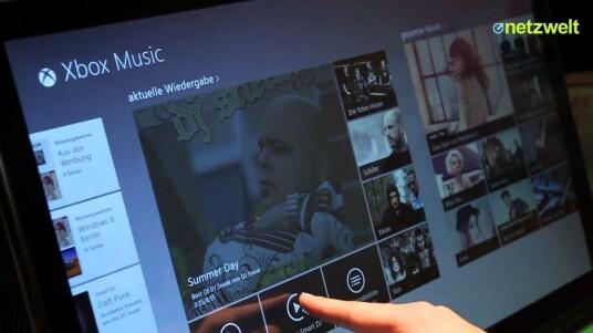 Netzwelt war auf dem Windows 8 Launch Event und hat sich Microsofts neuen Musikdienst angeschaut. Xbox Music ist ein komplett Paket für Musikliebhaber. Es vereint Streaming, Online-Store und Dienste wie Last.fm in einem.