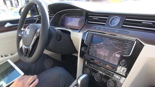 Nicht nur ein digitales Cockpit spendierte VW dem Passat der achten Generation. Auch das Infotainment-System wurde ordentlich aufpoliert.