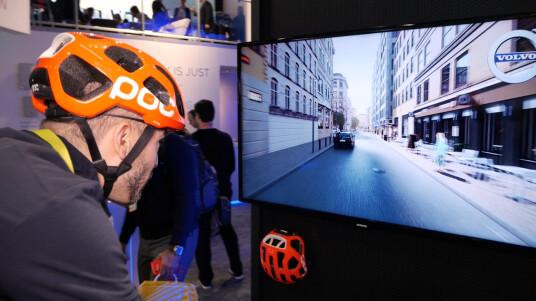 Wir schauen uns auf der CES einen vernetzten Fahrradhelm an, der für mehr Sicherheit im Straßenverkehr sorgen könnte.