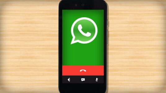 WhatsApp hat eine Telefoniefunktion in seinen mobilen Chat-Messenger integriert. Diese ist auf immer mehr Smartphones verfügbar.