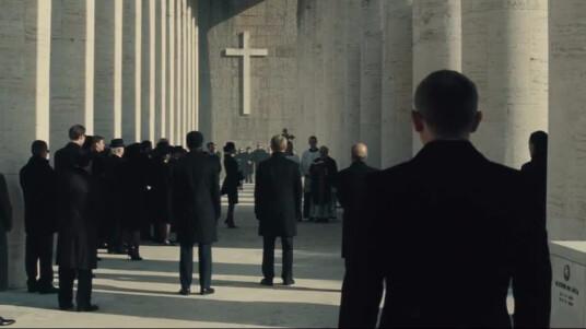 MGM und Eon Productions kündigen mit diesem Trailer den nächsten Teil der Bond-Film-Reihe an. In James Bond 007: Spectre geht MI6-Agent James Bond (Daniel Craig) einer rätselhaften Nachricht aus seiner Vergangenheit auf den Grund. Die Verbrecher-Organisation Spectre ist bereits aus den Bond-Filmen der 60er Jahre bekannt. Die Rolle des Gegenspielers und Superbösewicht übernimmt dieses mal Oscar-Preisträger Christoph Waltz. Der Kinostart soll im November 2015 erfolgen.