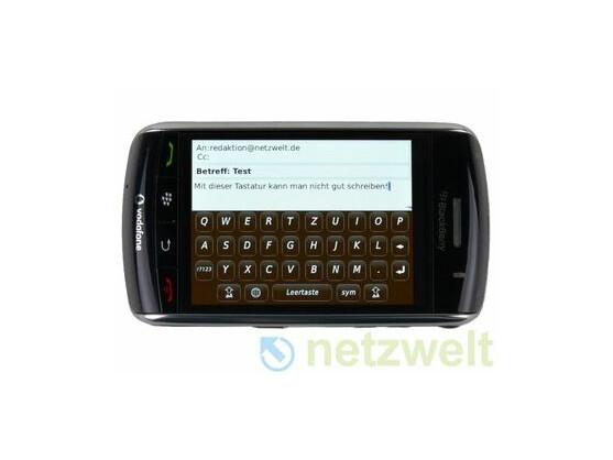 """Gaukelt dem konservativem Nutzer eine """"echte"""" Tastatur vor: Blackberry Storm."""