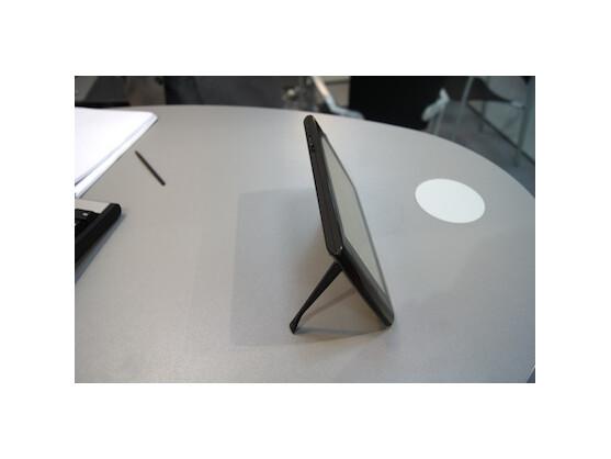 Dank des integrierten Standfußes wird das Archos-Tablet zum digitalen Fotorahmen.