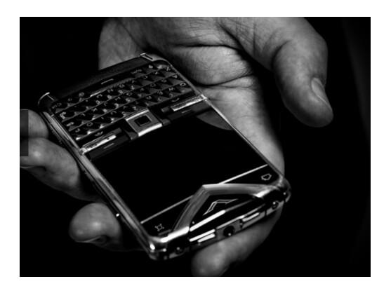 Das Constellation Quest ist das erste Luxus-Smartphone von Vertu.