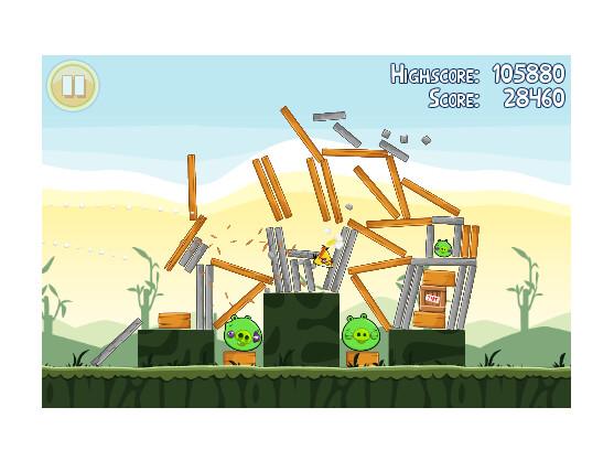 Die Schweine müssen dran glauben: Bei Angry Birds schießt der Spieler Vögel auf die Bauwerke der Eier-Diebe.