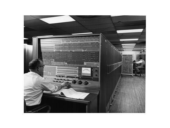 Einer der ersten Supercomputer: IBMs Stretch hatte 150.000 Transistoren und konnte 100 Milliarden Rechenoperationen pro Tag ausführen. Die Anlage wurde Ende der 50er Jahre gebaut.