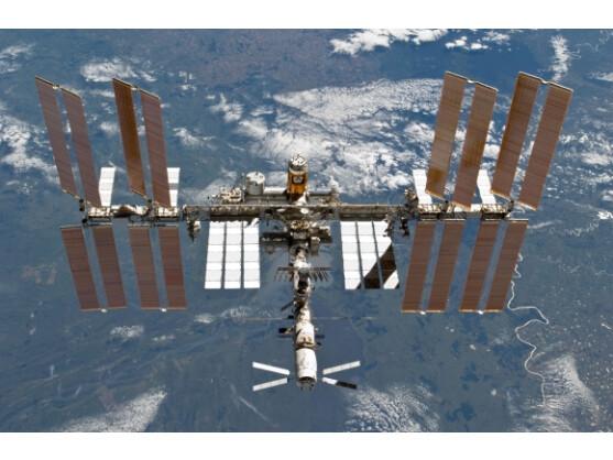 An der ISS ist nur knapp ein Stück Weltraumschrott vorbei geflogen.