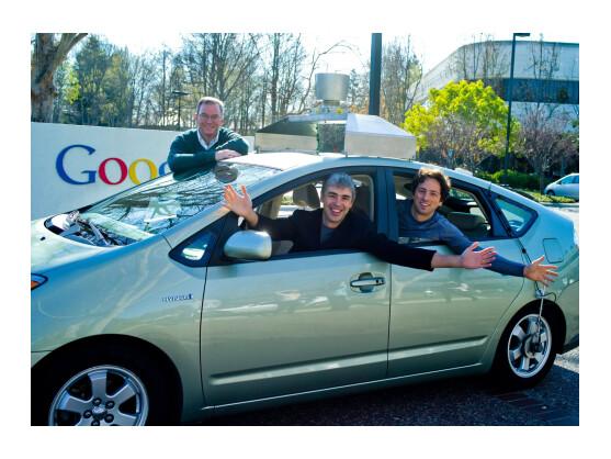 Die Google-Gründer Larry Page (vorne links) und Sergey Brin (vorne rechts) wollen auch künftig die Pionier-Kultur bei Google fördern.