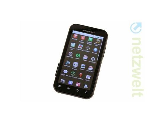 Das Motorola Defy läuft nun mit Android 2.2.