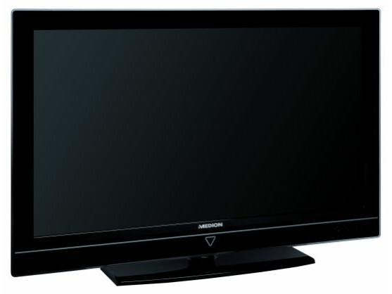 Sieht mit seinem breiten Rahmen im Vergleich zu anderen TVs leicht pummelig aus: der Medion Life S 16000. Sein Standfuß ist leider nicht drehbar.