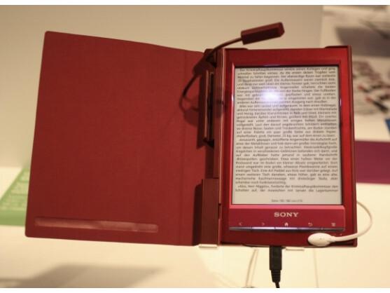 Sony bietet auch passendes Zubehör für den neuen E-Book-Reader an.