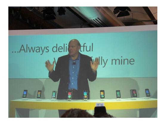 Steve Ballmer könnte am 24. Mai nochmals neun WP7-Handys enthüllen.