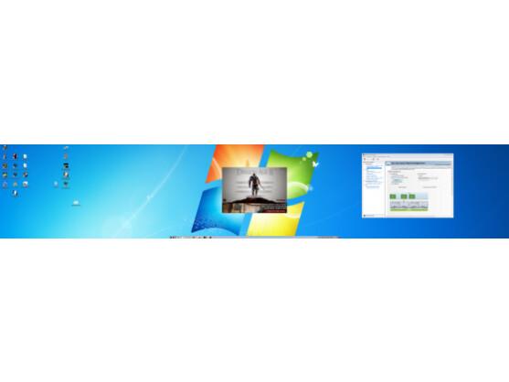 Der auf 5.760 x 1.080 erweiterte Windows-Desktop erstreckt sich über drei Bildschirme.