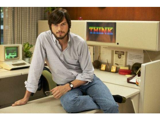 Asthon Kutcher spielt in jOBS den verstorbenen Apple-Gründer.