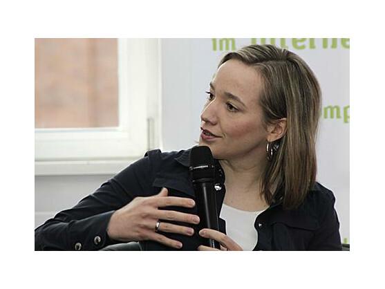 Bundesfamilienministerin Christina Schröder fordert Schulunterricht über Soziale Netzwerke.