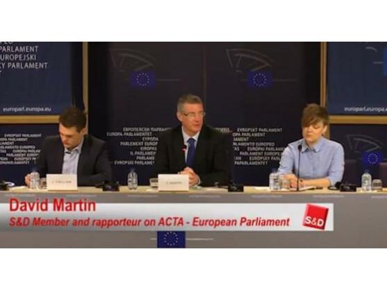 David Martin, ACTA-Berichterstatter im EU-Ausschuss für Internationalen Handel, sprach sich gegen ACTA aus.